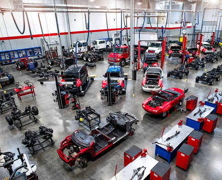 Modified automotive lab at Universal Technical Institute mobile image