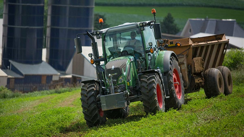 A Fendt tractor is put to work.