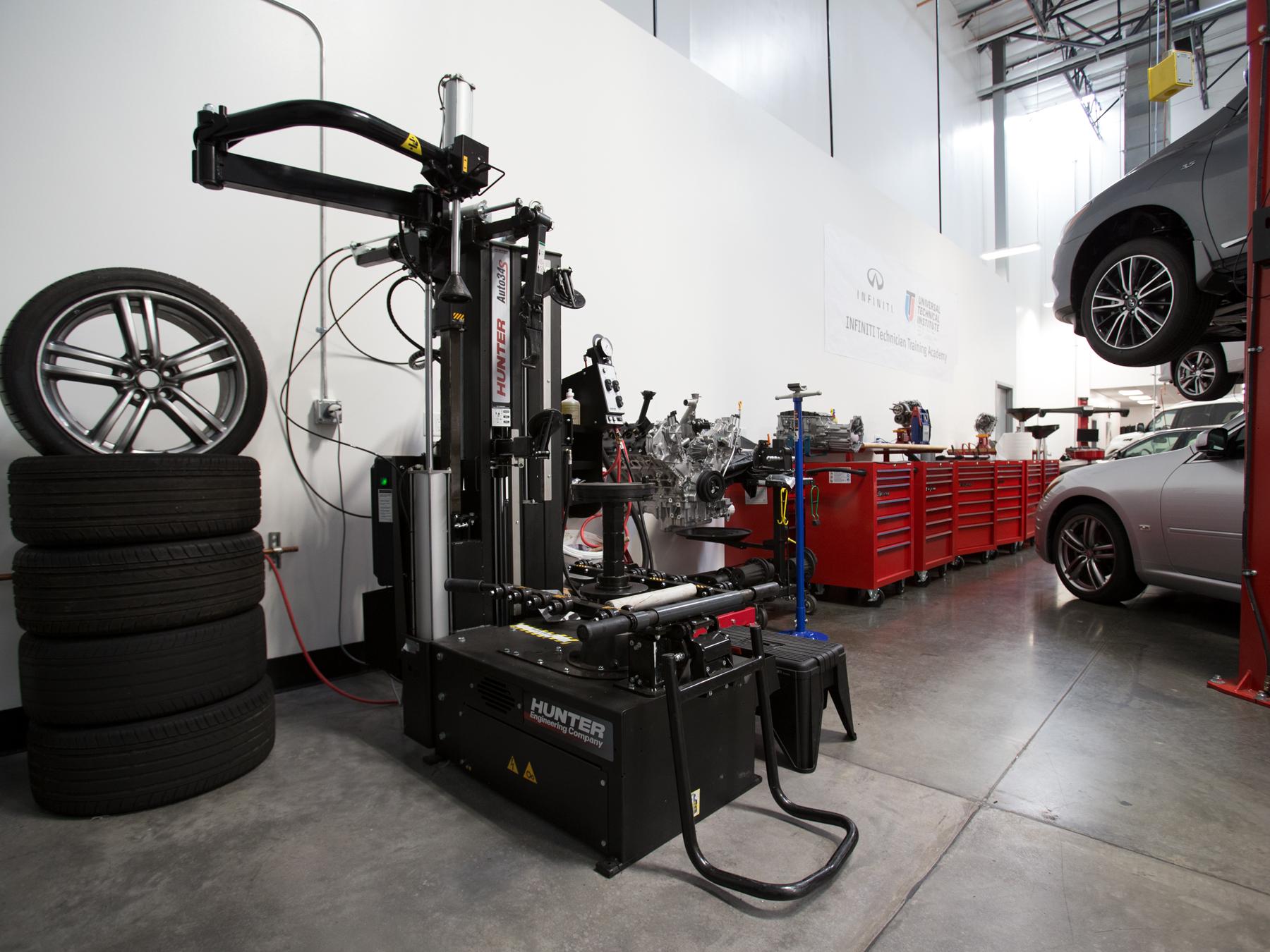 Tire machine in the infiniti auto lab