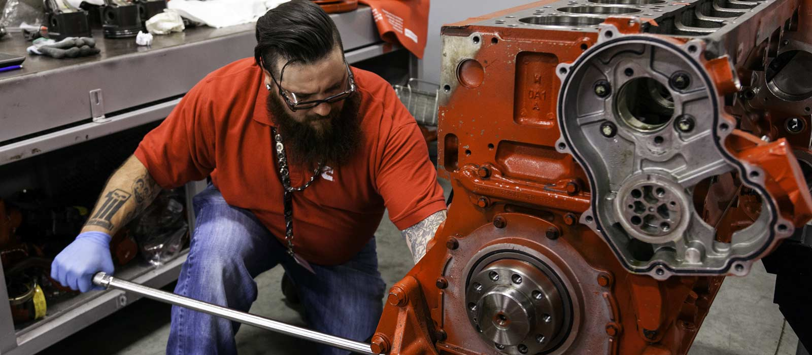 How to job and create a resume as a diesel mechanic